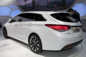Hyundai i40 mid-sized wagon